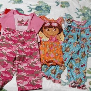 Lot of little girls pajamas n gowns